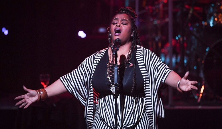 jill-scott-brings-real-music-love-to-the-apollo-theater-2
