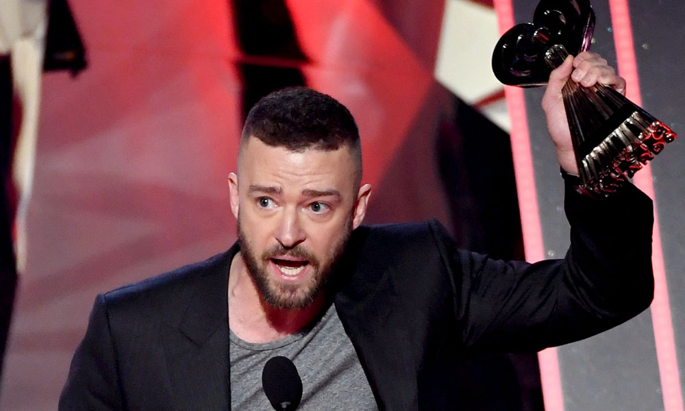 "Justin Timberlake Defends Blacks and the LGBT Community in iHeartRadio Awards ""Song Of The Year"" Speech"