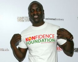 Akon Thrown By Britney Spears: 'Freedom' Debuts On Charts
