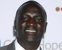 Akon and Seal Vow To 'Jet' If McCain Wins