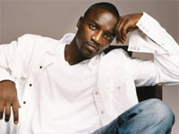 Fans Riot After Being Blocked From Entering Akon's Free Concert