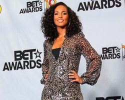 Alicia Keys, Leona Lewis Win World Music Awards