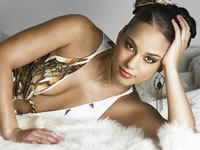 Alicia Keys Follows Sparks With Vocal Chords Injury, Scraps Two Tour Dates