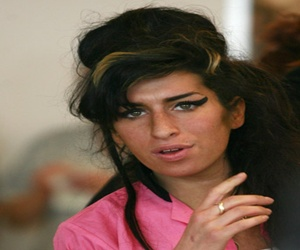 Amy Winehouse Left Cut, Bruised After Domestic Incident