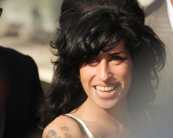 R&B Singer Amy Winehouse Rushed to Hospital