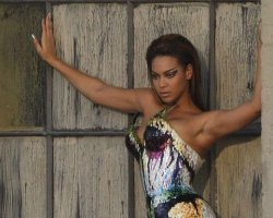 Update: Beyonce Hits #1 Spot In UK, Shoots 'Diva' Video