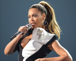 Beyonce, Aguilera, Keys Offer 'Fierce' AMA08 Performances (Video)