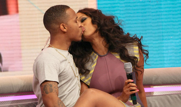 Bow Wow and Tyra Banks Kiss on BET's '106 and Park'
