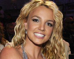 Britney Spears Jets For X Factor, Confirms GMA 'Circus' Performance