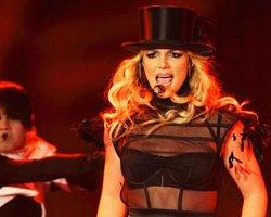 Britney Spears Caught In Money Machine, Ex Manager Says Brit Isn't Ready For Tour