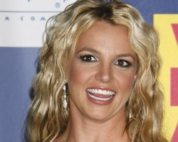 Britney Experiences 'Leak Fury' : Resets Single Release, Dumps Calif. Home