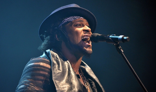 D'Angelo Makes First U.S. Appearance Since 2000