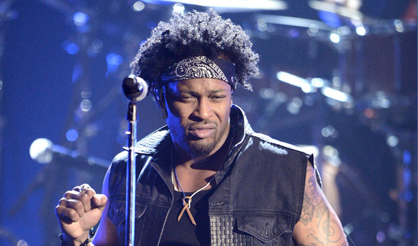 "D'Angelo Axes Shows Due to Serious ""Medical Emergency"""