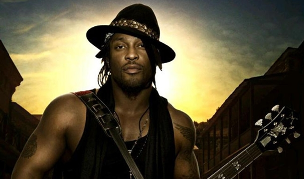 D'Angelo Opens Up About 'Black Messiah,' Album in Stores at Midnight!