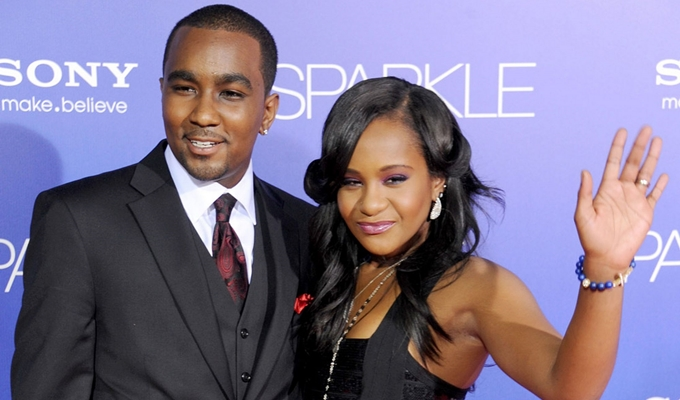 Doctors Remove Bobbi Kristina's Breathing Tube in Standard Procedure, Nick Gordon Issues Another Statement