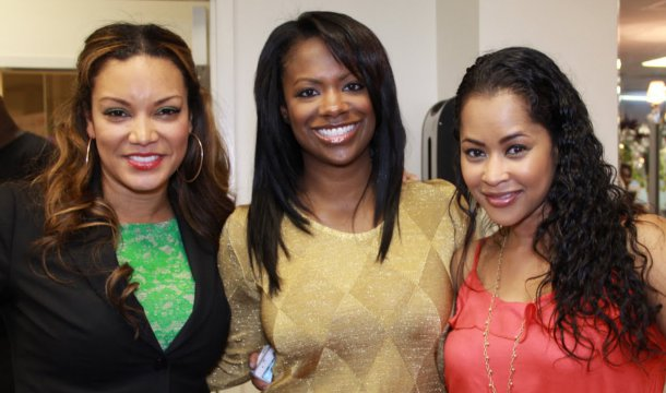 Celebrities Join V-103 Personality/HGTV Host, Egypt Sherrod, To Pay It Forward For Mother's Day!