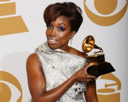 Estelle Thanks Atlantic/iTunes For Single Flap, Eyes Gaye Track