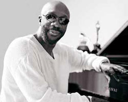 Update: Soul Singer Isaac Hayes 'Apparently Died of a Stroke,' Family Issues Statement