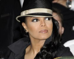 Janet Jackson Gets 'Feedback,' Rumored Daughter To Tell All !