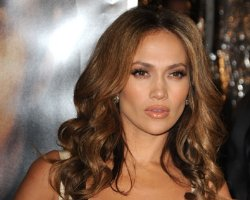 Jennifer Lopez Inks 'Plan B', Green Lights CBS Pic