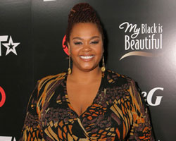 R&B Singer Jill Scott Pregnant With First Child