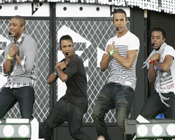 JLS top UK singles chart with Beat Again