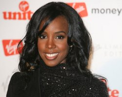 Is Kelly Rowland Ready To 'Bump' The Knowles ?