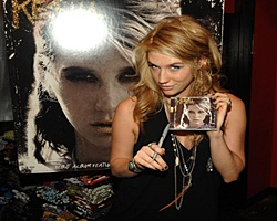 Ke$ha Unseats Boyle For No.1 Debut