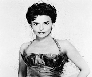 Jazz Icon, Actress Lena Horne Dead at 92