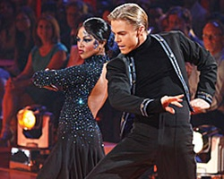 Lil Kim Shines On 'Dancing' to Take Top Spot