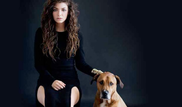 "Lorde's Response After Listening to Drake & Nicki Minaj's Music: ""Completely Irrelevant"""