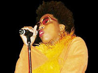 Macy Gray to Launch Plus-Size Clothing Range