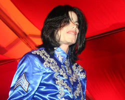 Michael Jackson Looks To Vegas To Revive Career?
