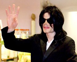 Michael Jackson's 'Legal-Thriller': King of Pop Sued For $7Mil