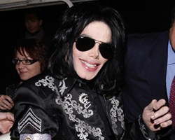 Michael Jackson Settles 'Out of Court'