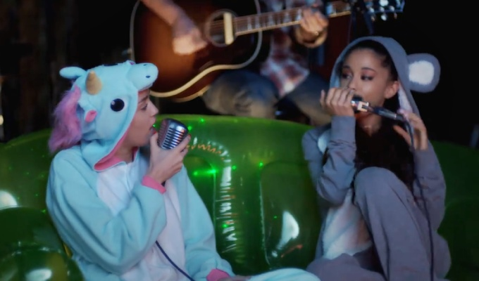 "Miley Cyrus Duets With Ariana Grande on ""Don't Dream It's Over"" For Backyard Sessions"