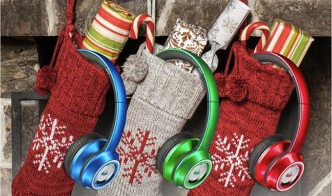 Singersroom & Monster Products Team Up For Holiday Contest: WIN $400 Worth Of Products !