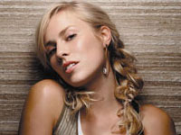 Natasha Bedingfield Sets Chart Record, Album in U.S Top Three