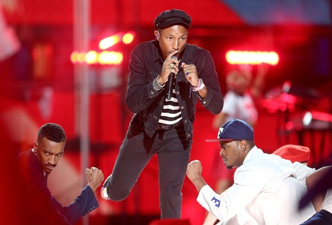 Pharrell Brings 'Come Get It Bae' and 'Freedom' To The VMAs (Video)