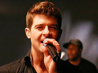 Robin Thicke Feels The 'Magic,' Album Due This Summer
