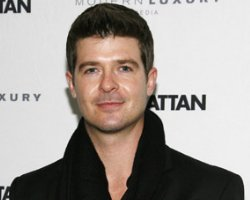 Robin Thicke Launches Online 'Listening Party'