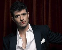 Thicke Offers 'Something Else' This Fall, Looks at Poetry and Film Projects