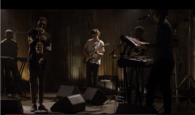 Samm Henshaw Covers Frank Ocean's 'Pink Matter' Live With Kojey Radical