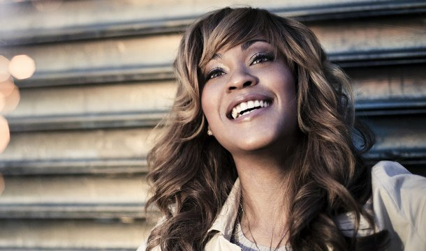 Shontelle – Custom Made