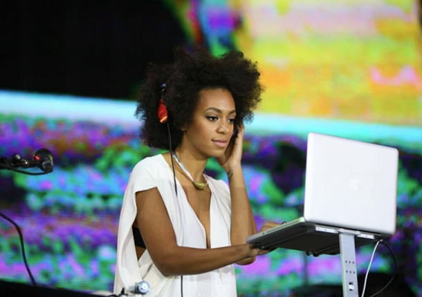Solange Knowles: 'A Police Officer Just Pulled a Weapon on Me'