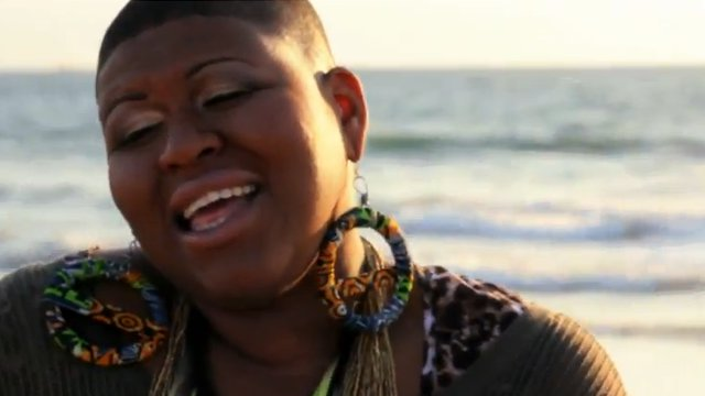 Stacy Barthe – Comfy Little Coffin