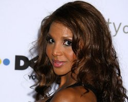 Toni Braxton 'Shimmies Off' Dancing With The Stars