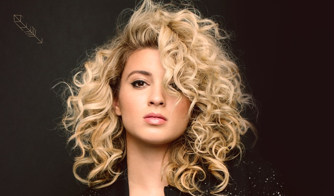 Newcomer Tori Kelly Rocks 'Nobody Love' on The Late Late Show