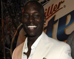 Tyrese 'Fights For Love,' Reconnects With 'Baby Boy' Director