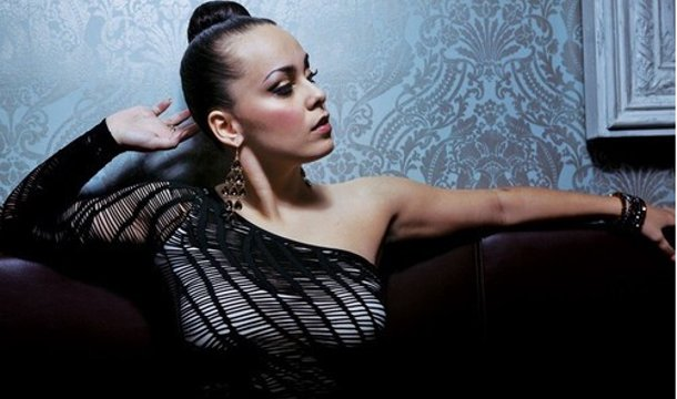 Veronica Domingues – Keep On Ft. Bubba